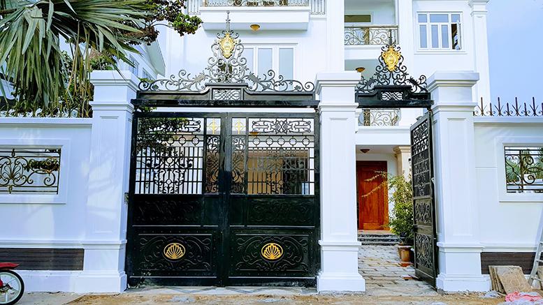 Cửa cổng đẹp nhà Anh Cương - Vũng Tàu -161