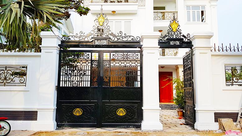 Cửa cổng đẹp nhà Anh Cương - Vũng Tàu -163