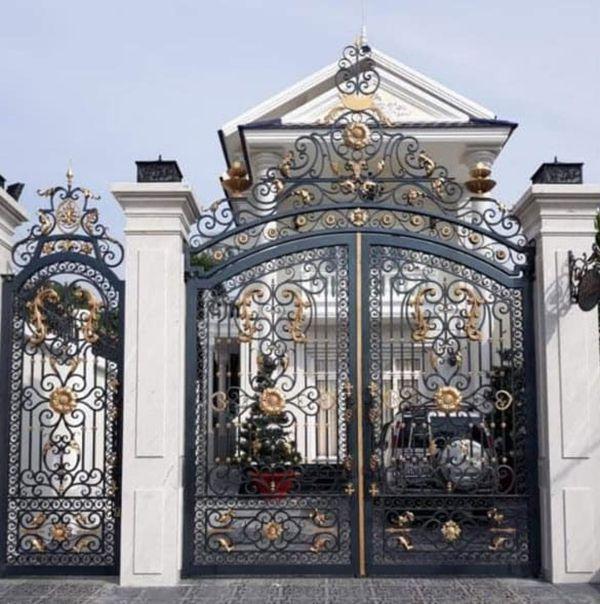 Trọn bộ 50 mẫu cửa cổng sắt mỹ thuật đẹp hút hồn người xem-195