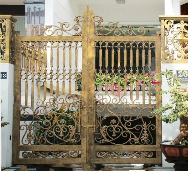Trọn bộ 50 mẫu cửa cổng sắt mỹ thuật đẹp hút hồn người xem-206