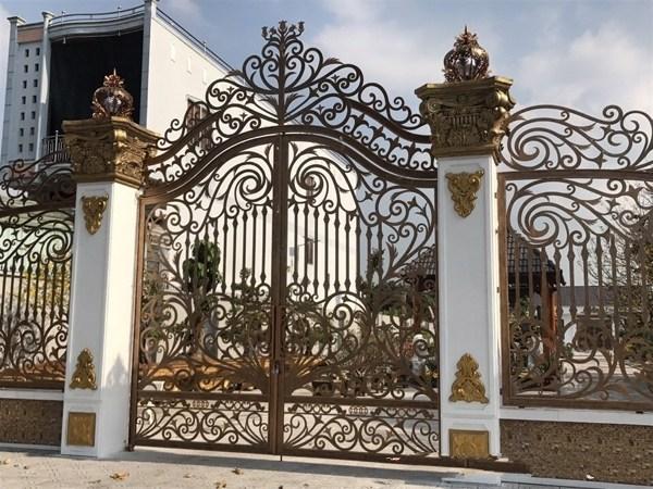 Trọn bộ 50 mẫu cửa cổng sắt mỹ thuật đẹp hút hồn người xem-222