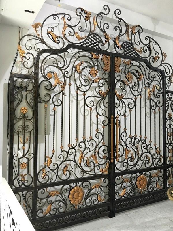 Trọn bộ 50 mẫu cửa cổng sắt mỹ thuật đẹp hút hồn người xem-215