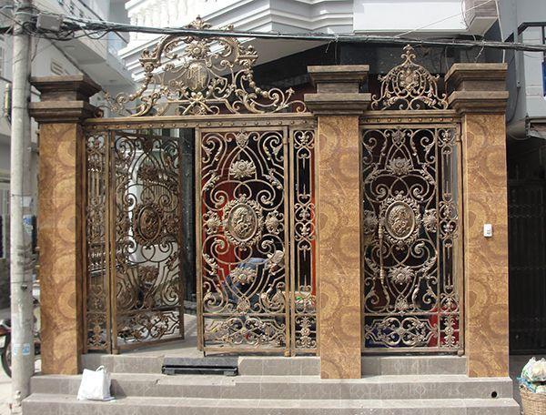 Trọn bộ 50 mẫu cửa cổng sắt mỹ thuật đẹp hút hồn người xem-192