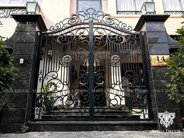 Trọn bộ 50 mẫu cửa cổng sắt mỹ thuật đẹp hút hồn người xem-194