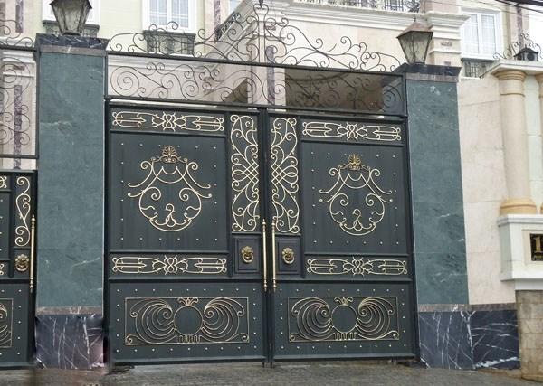 Trọn bộ 50 mẫu cửa cổng sắt mỹ thuật đẹp hút hồn người xem-220