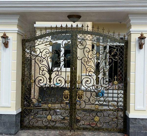 Trọn bộ 50 mẫu cửa cổng sắt mỹ thuật đẹp hút hồn người xem-186
