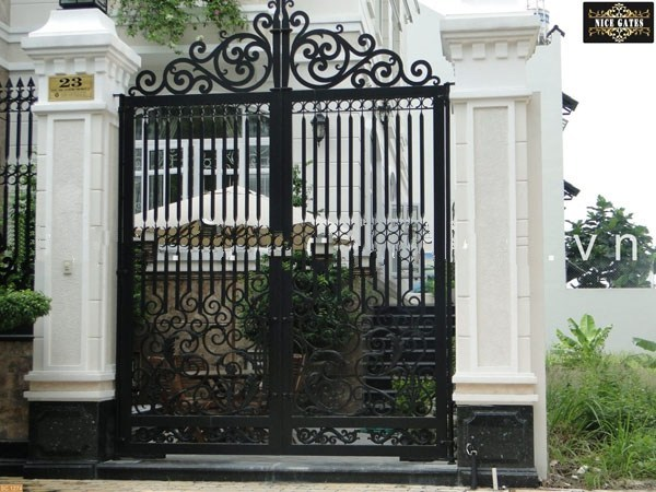 Trọn bộ 50 mẫu cửa cổng sắt mỹ thuật đẹp hút hồn người xem-203
