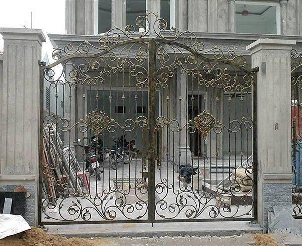 Trọn bộ 50 mẫu cửa cổng sắt mỹ thuật đẹp hút hồn người xem-198