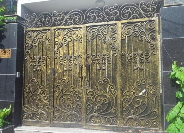 Trọn bộ 50 mẫu cửa cổng sắt mỹ thuật đẹp hút hồn người xem-223