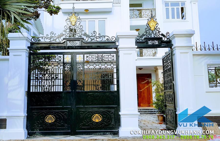 Cửa cổng đẹp nhà Anh Cương - Vũng Tàu