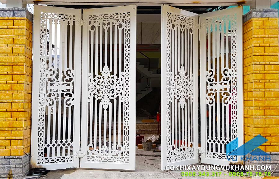 Cửa cổng bốn cánh mở tự động thương hiệu TAU-Italy