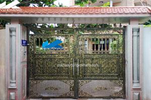 Cửa Cổng Sắt Hai Cánh Kết Hợp Bông Gang SP-69771
