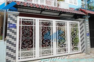 Cửa Cổng Bốn Cánh Uốn Hoa Văn